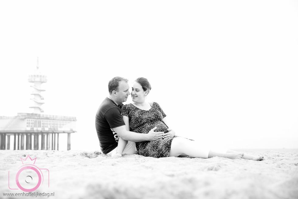 Zwangerschapsfotoshoot Scheveningen Loveshoot (3)