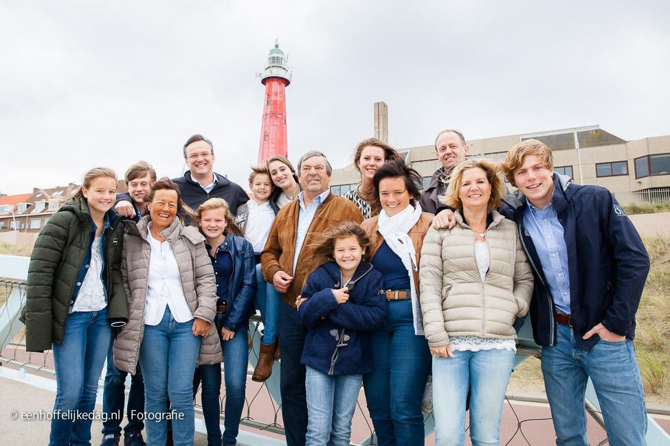 Fotoshoot Scheveningen | Familiefotografie en groepsfoto's op strand (16)